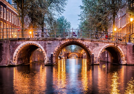 INCENTIVE IN AMSTERDAM: FLY WITH US TO THE CITY OF CHANNELS AND BICYCLES<br>TEAM BUILDING EXPERIENCE IN THE NETHERLANDS