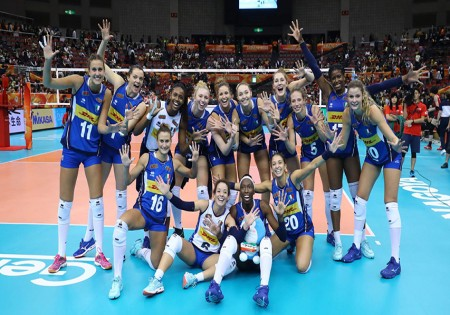 2018 VOLLEYBALL WOMEN'S WORLD LEAGUE: THE PRIDE OF OUR BLUE TEAM! <br> THAT AVIATION ITALIA PAYS ITS TRIBUTE TO ITALIAN FEMININE VOLLEYBALL TEAM